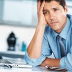 Сотрудник переживает на рабочем месте