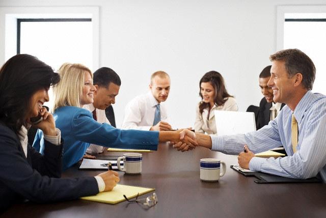 Деловой этикет в медицине правила поведения медсестры и других  Модели взаимодействия в рамках этики делового общения сверху вниз снизу вверх и по горизонтали