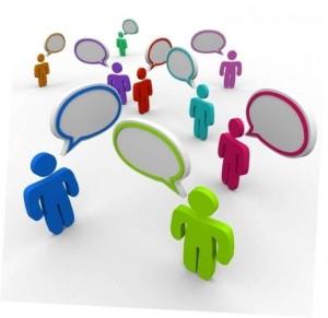 фигурки людей в диалоге