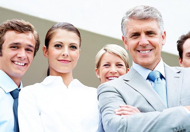 Счастливый коллектив с добрым начальником