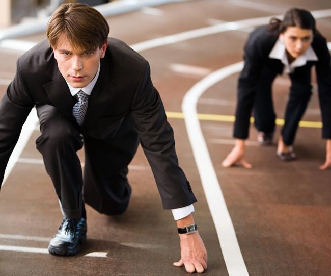 бизнес-партнеры на беговой дорожке