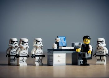 Факторы, влияющие на построение системы адаптации сотрудников